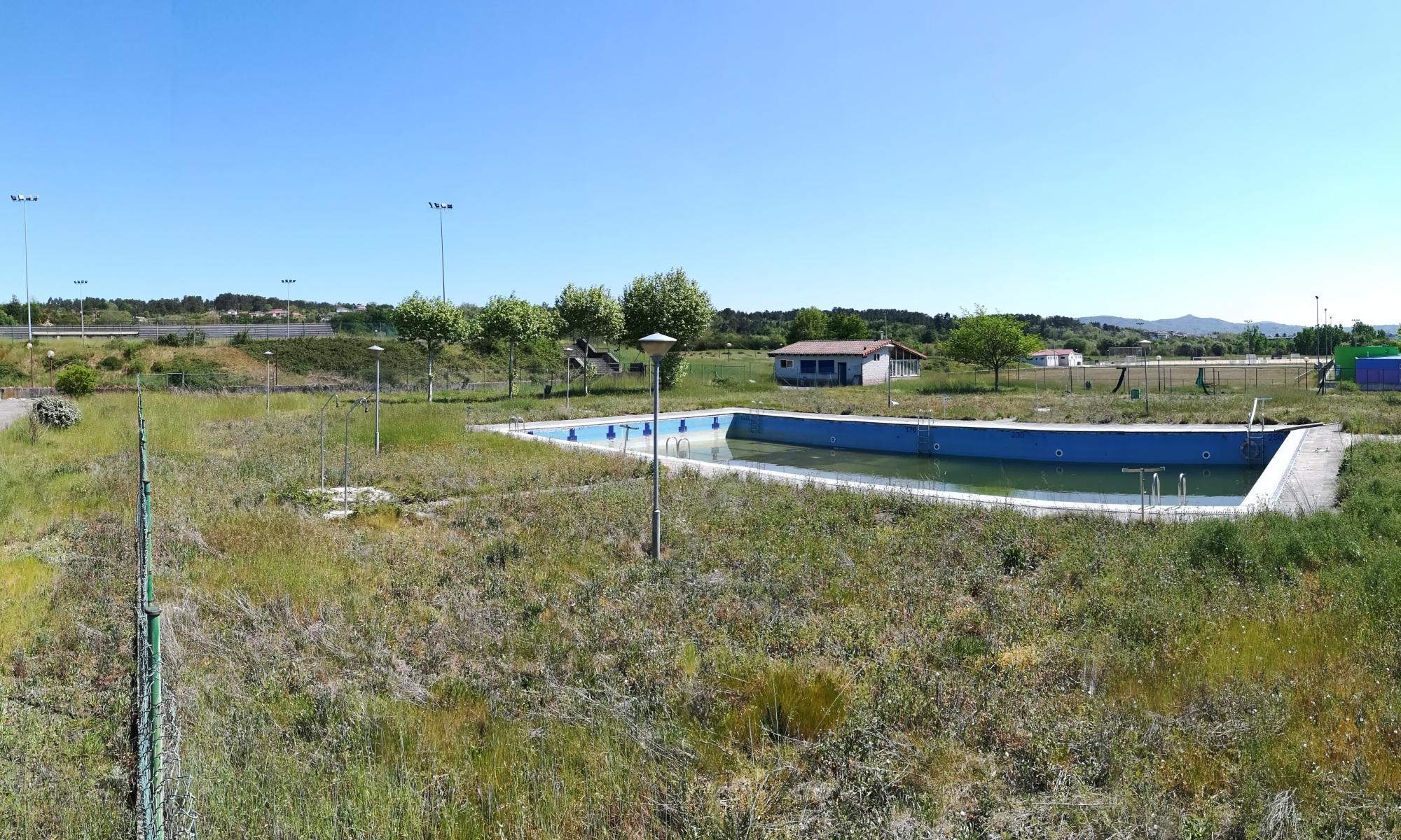 Abandono instalaciones deportivas Parque Tecnologico Galicia 01